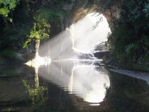明け方の濃溝の滝