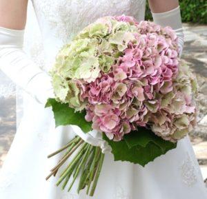 結婚式の紫陽花のブーケ