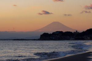 七里ガ浜海岸からの富士山