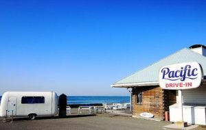 七里ガ浜海岸のパシフィックドライブイン