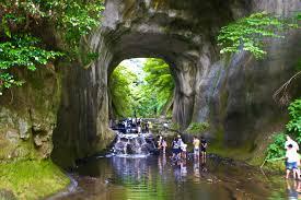 夏の濃溝の滝