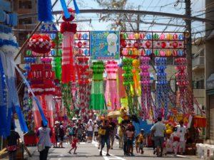 安城七夕祭り 竹飾りのストリート