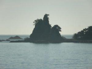 和歌山県那智勝浦町のゴジラ岩