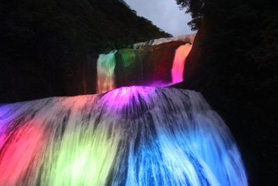 袋田の滝 真冬 ライトアップ