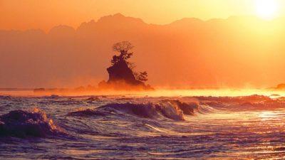 雨晴海岸の夕日