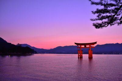 厳島神社 夕暮れ