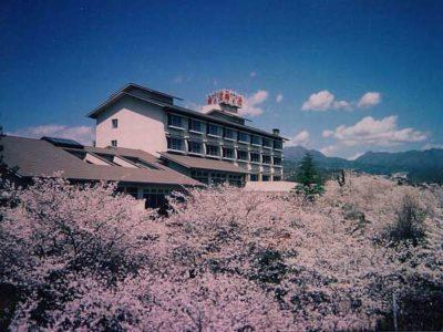 ホテル神の湯温泉 外観