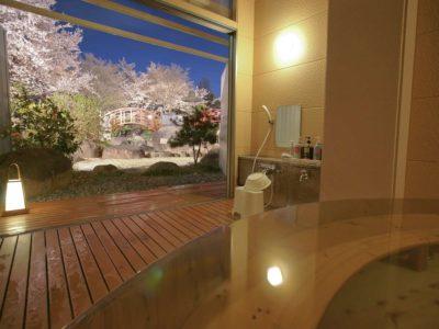 ホテル神の湯温泉 貸切家族露天風呂からの桜